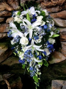 bridal bouquet white roses and blue