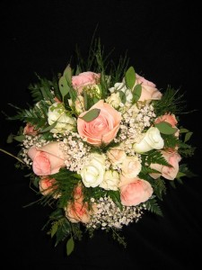 bridal bouquet peach roses