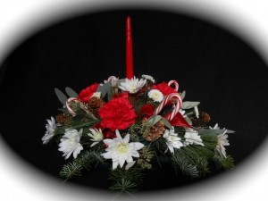 flowercottagecorte-candycane-centerpiece