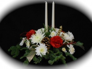 flowercottagecortez-christmas-&-candles-centerpiece
