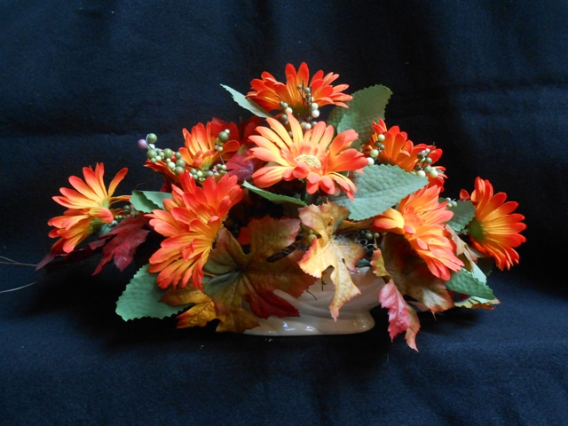 flowercottagecortez-orange-daisy-fall-centerpiece